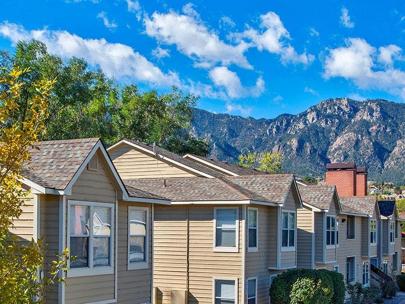 Cheyenne Crossing Apartments in Colorado Springs, CO