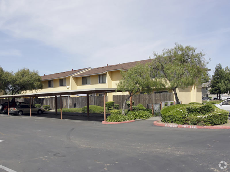 Rockwell Manor Apartments in Fairfield, CA