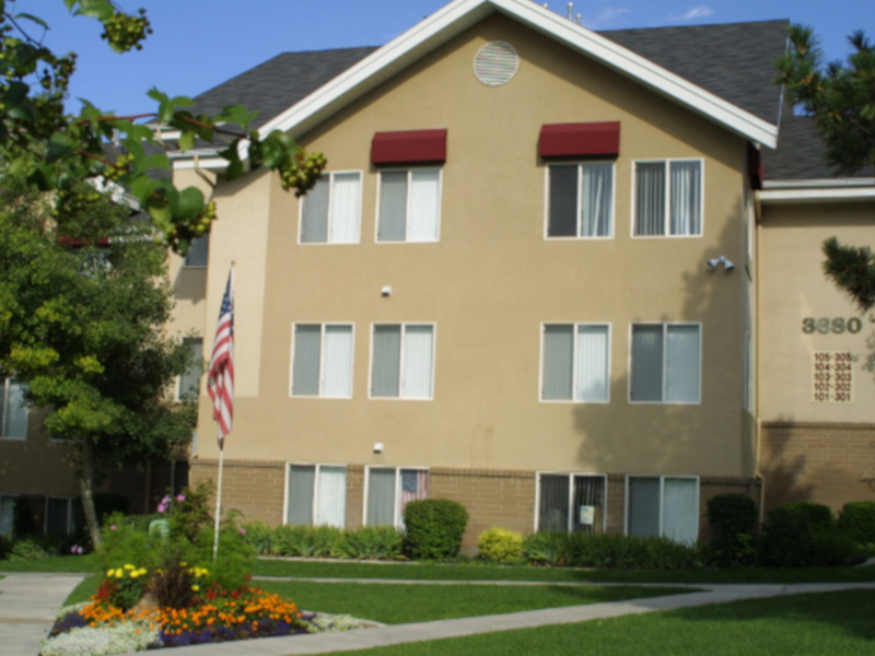Holladay Hills Apartments in Sugar House, UT