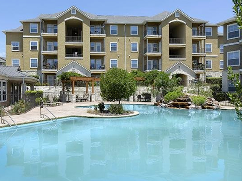 The Falls at Westover Hills Apartments in San Antonio, TX