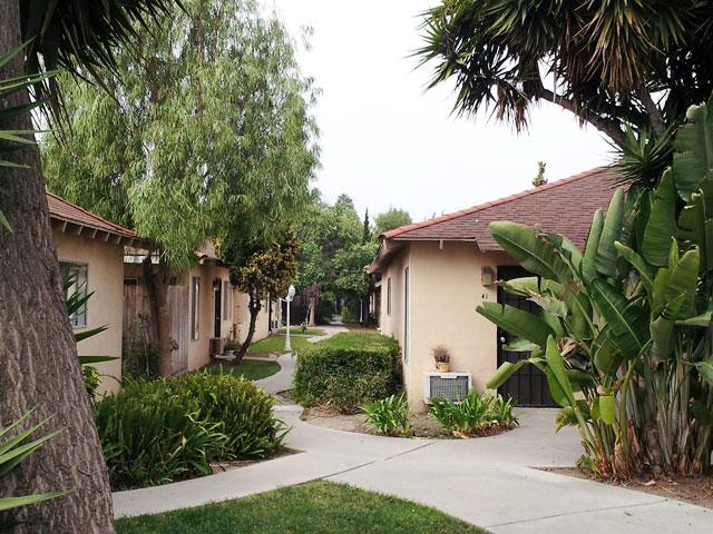 Anaheim Cottages Apartments in Davis, CA