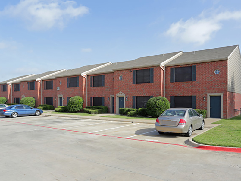 Greens of Hickory Trail Apartments in Dallas, TX