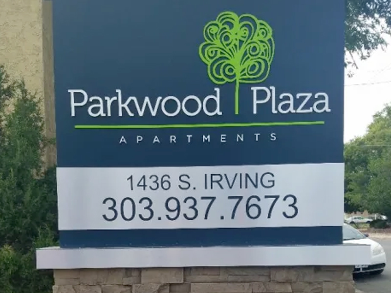 Parkwood Plaza Apartments in Denver, CO