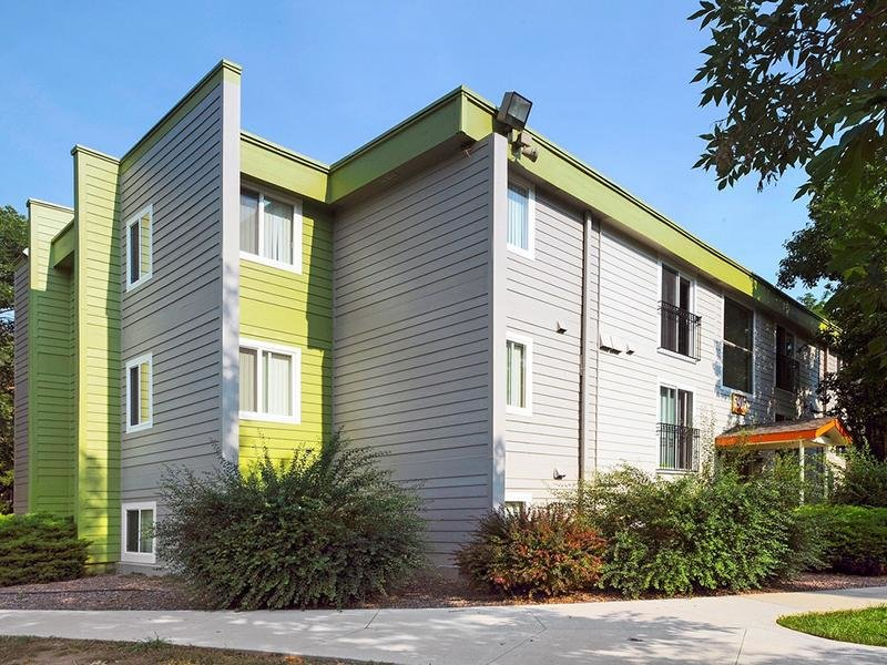 The Flats at Creekside Apartments in Lakewood, CO