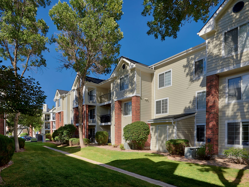 Villas at Homestead Apartments in Lakewood, CO