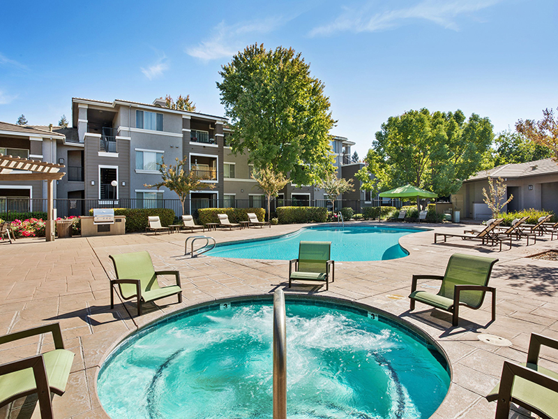 Miramonte and Trovas Apartments in Sacramento, CA